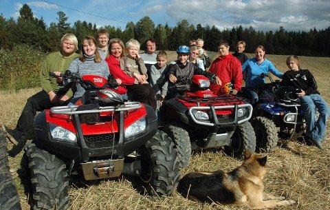 Juniorklubben i Blindeforbundet og foreldreklubben Assistanse arrangerte tur til Revelsby for å kjøre med ATW. (Foto: Gry Pettersen)