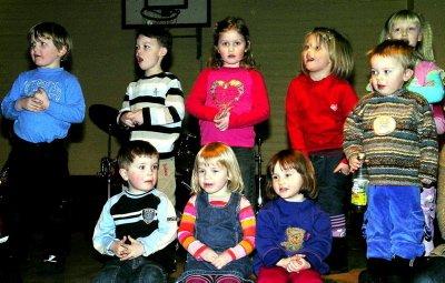 Ungene i Utskarpen barnhage fikk morshjerter til å smelte.