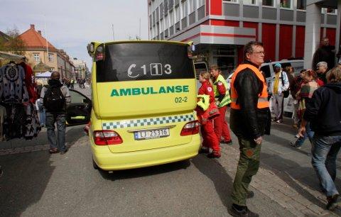 Tromsø kommune ber øyenvitner som har behov for å prate med noen om ulykken i Storgata i Tromsø om å ta kontakt med legevakta.