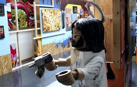 VARIERT: Flere typer kunstverk fikk plass på utstillingen. Også lyd var en viktig del.