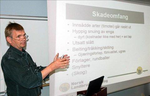 Beiteskade: Sverre Heggset fra Landbrukt Nordvest la fram tall som viste at hjortens beiteskader på innmark i Smøla og Aure enkelte steder har vært på 1.100 kroner. Det er 10 ganger mer enn hva man fant under et forskningsprosjekt i Jølster.