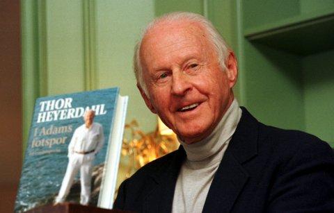 Thor Heyerdahl presenterte fredag sin erindringsbok. Boken, som heter «I Adams fotspor», er privatpersonen Thor Heyerdahls egen beretning om et eventyrlig liv. Heyerdahl ble nylig kåret til århundrets navn i en stor undersøkelse.  Scan-Foto: Erik Johansen