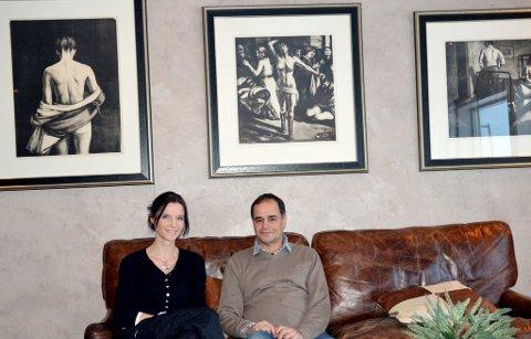Munch på veggen: Kanskje blir det her, på denne veggen, at Munschs tre litografier av Madonna blir hengende under Kunst i Bergstaden i mars. Torgun Brean (t.v.) og Rolf Ericsson i Venneforeningen gleder seg stort.