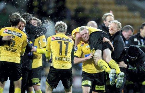 BERGET SEG: I 2008 berget LSK kontrakten i sin siste hjemmekamp mot Rosenborg. Det var ville jubelscener etter 4-2 seieren på Åråsen. FOTO: TOM GUSTAVSEN