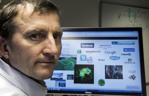 EKSPERT: Professor Dag Johansen velger å holde seg unna Facebook.Foto: Jan-Morten Bjørnbakk