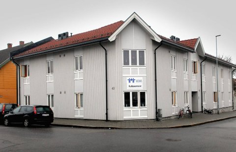DØD: Det var i en leilighet i denne bygningen at 24-åringen ble død. (Foto: Jarl M. Andersen)