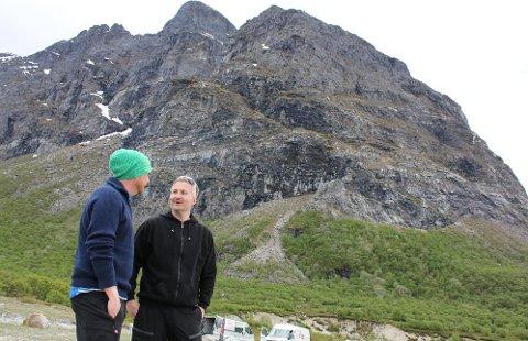 KAJAKKBIDRAG: Aleksander Berg Hansen var takknemlig for at Ove Tømmervik stilte opp med kajakker.