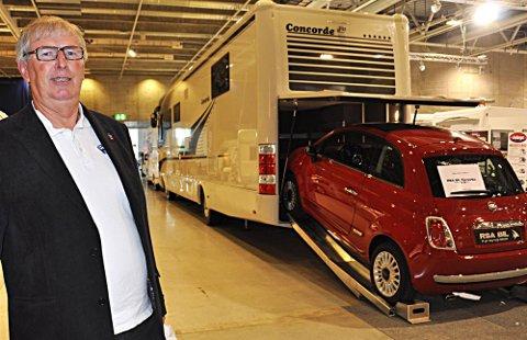 Store biler: De største bilene har også garasje til en mindre bil.,