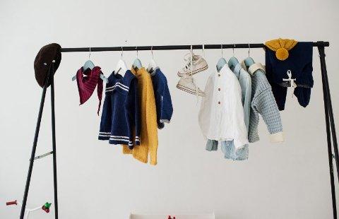 FRA BOKA: Bildet er fra boken og viser noen av klærne du finner oppskrifter på.