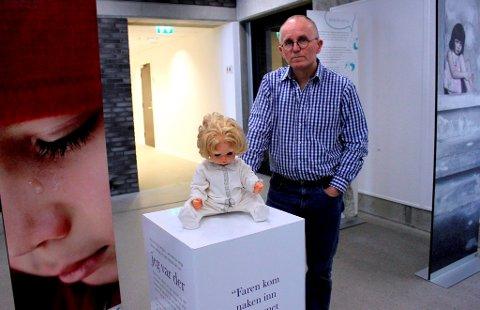 Øyvind Aschjem ønsker å skape enda mer bevissthet for å beskytte de minste barna mot overgrep. I Porsgrunn settes nå to prosjekter sammen, med enda sterkere effekt. Dukken på bildet har tilhørt en jente som ble seksuelt misbrukt av sin far.