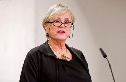 VIL IKKE: Bare tre av ti nordmenn sier at de vil ha et OL i Oslo i 2022. Kulturminister Thorhild Widvey har vært i hardt vær denne uka etter å ha blitt anklaget for knefall for IOC.
