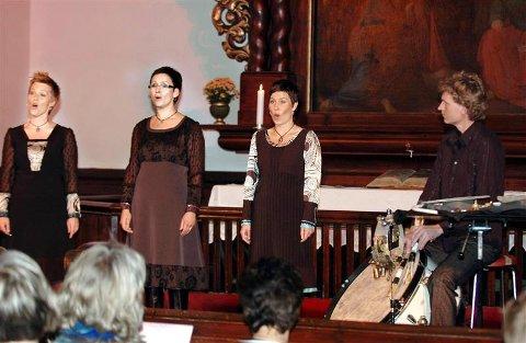 Anna Maria Friman, Linn Andrea Fuglseth og Torunn Østrem Ossum imponerte i Nordlandet kirke.