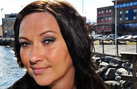 NESTEN HJEMME: I Harstad blir Elisabeth ofte stoppet av folk som vil snakke om evnene hennes. Men hjemme er Evenskjær i Skånland.