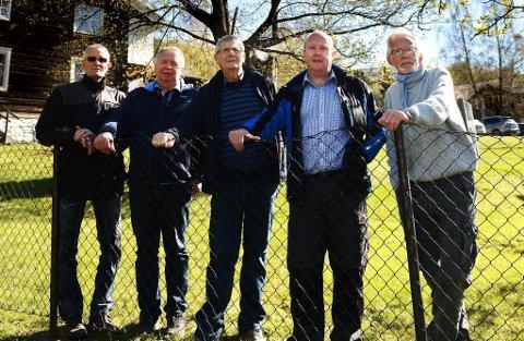 Arne Randen, Ola Hage,Gustav Ekre,  Tor Åmodt og Håvard Smith utgjør arrangementskomiteen for markeringen av eidsvollsmannen Paul Åmodt Harildstad  17.mai
