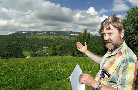 Sivilingeniør og forsker ved Høgskolen i Østfold, Erling P. Strand har brukt mange timer på å undre seg over fenomenet i Hessdalen i Sør-Trøndelag. Nå er forskerne nærmere svaret på gåten. (Foto: Arkivfoto)
