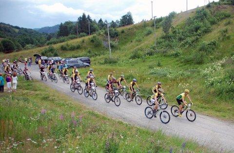 STARTEN: 57 syklister startet i den aktive klassen av Vesterfjellrittet, men seks måtte bryte.