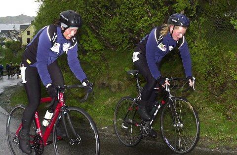 JENTER: Lørdag var det fire jenter på tempoen, mens Mirela Årnes t.v. og Anne Katrine Meland, begge SOCK, syklet søndag.