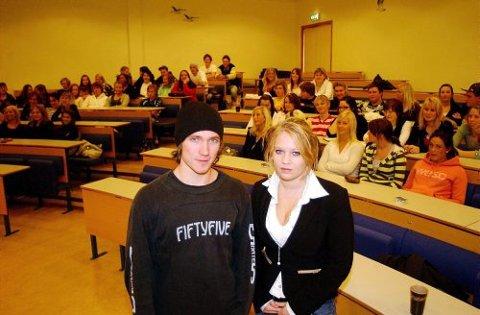 RUSSESEMINAR: Russepresidentene Sondre Sporastøyl fra Klosterskogen videregående skole og Kristine Dale fra Bø videregående skole, var to av totalt 75 styremedlemmer som deltok på gårsdagens russeseminar på BI i Porsgrunn.