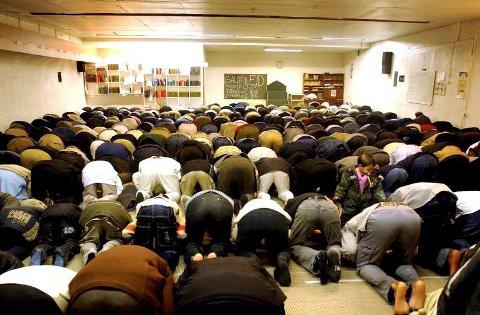 Fredagsbønn i moskeen på Nøstet.