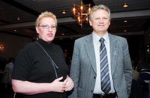 Rådmann Olaug Haugen og ordfører Ole Morten Sørvik kunne smile fornøyd på kommune-konferansen i Molde, selv om statsråden ikke dukket opp.