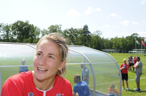 VERT PROFF: Ingrid Ryland har skrevet eitårskontrakt med Liverpool ladies. No vil ho prøva ut proffdraumen. Valet av klubb er tatt saman med landslagssjef Even Pellerud. Håpet er å vinna tilbake plassen på landslaget.