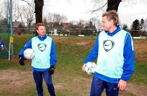 Raymond Kvisvik (t.v.) og Thorstein Helstad på treningsfeltet til Austria Wien.