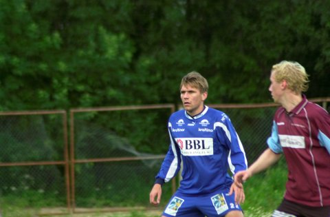 Comeback: Hans Jørgen Andersen skal igjen ikle seg FK Lofotens drakt. Her fra en kamp i 2004. ArkivFoto: Bjørnar larsen