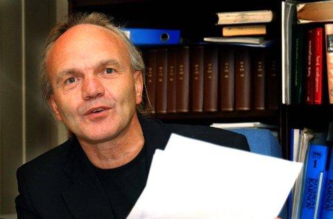 FEIL MED FENGSEL: Den bortføringsdømte Sarpsborg-kvinnens forsvarer, advokat Harald Otterstad, mener denne saken er et skoleeksempel i når retten kan idømme betinget fengselsstraff. Han vurderer å anke dommen. (Foto: Jarl M. Andersen)