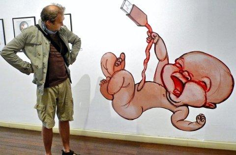 NAVLEBESKUER: Egil Nyhus? tegning «Naken uten nettet» er synlig representert i utstillingen «World Press Cartoon 2011» i kulturbyen Sintra i Portugal. BEGGE FOTO: LISE OPPEGAARD