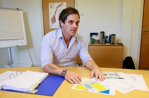 LØFT: Prosjektleder Ole Gudmundsen tror ny ishall blir et løft for hele kommunen.FOTO: OLE-JOHNNY MYHRVOLD
