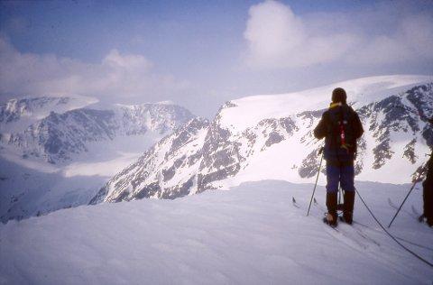 SAMISKE STEDSNAVN: Fortsatt eksisterer det samiske navn i flere fjellområder i Troms. Her ser vi bilder fra Jiehkkevárri.