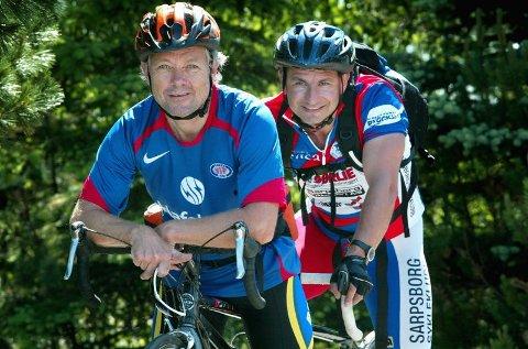 2553 KM: Søndag 8. juli starter Alf Wilhelmsen (t.v.) og Bedir Yiyit på den 2553 kilometer lange turen fra Nordkapp til Lindesnes.