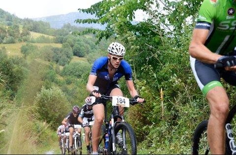 Magnus Lia frå Hof sykkelklubb var raskast i herreklassen med tida 1:39:09.