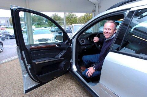 Bilbransjens leder i Halden, Christian Løchen, er godt fornøyd med  at nybilsalget i Halden er doblet.