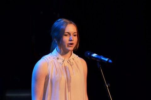 Mari Midtli fra Sel skal også synge stubber og slåttestev på landsmønstringen i Trondheim i juni.