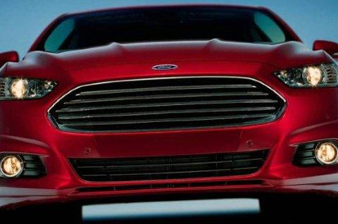 Slik blir Ford Fusion 2013 seende ut.