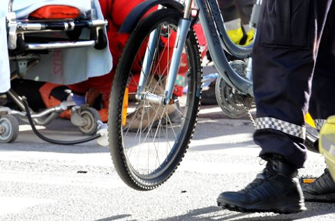 En kvinne ble skadet da en lastebil kjørte på en syklist på Grønland i Oslo tirsdag.sykkelulykke.