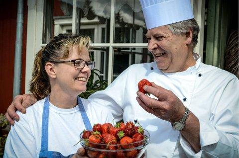 glade vinnere: Ingunn Koll Hansen Skogstrand og Frode Skogstrand overtok driften av Torsætra kafe på Totenåsen for 2 1/2 år siden. I går ble de kåret som regionvinnere av en jury i Ganefart-konkurransen 2012. arkivbilde