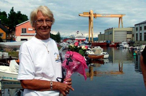 Vesla Jacobsen legger ikke noe imellom når hun omtaler ubemannede turistkontor. Hun kaller det en skam, og roser Victoria Boys for innsatsen de har gjort i sommer.