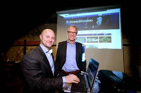 Nettspillutvikler Hans Erland Ringsvold og administrerende direktør Torbjørn Almlid i Norsk tipping lanserte  nye nettspill både for pc, mobil og nettbrett.