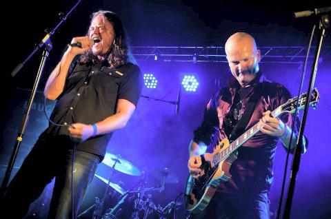 SOUTHBOUND: Jørgen Lesjø og Vemund Moss i Southbound gjør det bra som liveband og kommer til Hof kulturhus 18. januar for å bli med på feiringen av Eidsfoss musikkforenings 25-årsjubileum.                                                                                                                   Foto: Southbound