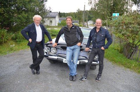 Gjøvik-moro: Ordglade Tore Strømøy møter sine overmenn når han sammen med Viggo Sandvik og Eldar Vågan tar turen rundt i Gjøvik for å med egne øyne se hva som inspirerte til slageren På Gjøvik. .Foto: NRK