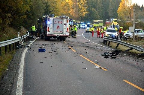 NY Dødsulykke: I går skjedde det nok en dødsulykke på Kompveien mellom Mork i Sørum og Brattåsen i Fet. Foto: Roger Ødegård