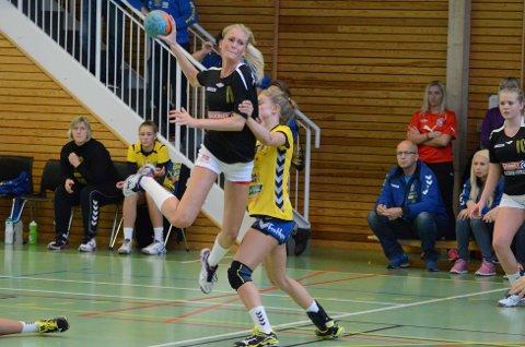 Bettina Bakken var turneringens store spiller for Hokksund