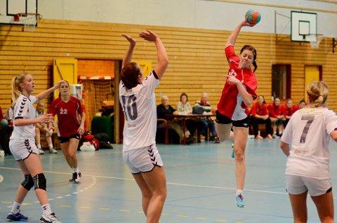 Christina Indresæther spilte nok en fantastisk kamp for Vikersund og ble igjen toppsocrer for laget som etter kveldens kamp har sikret seks poeng i andredivisjon.