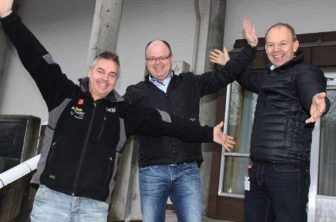 I FESTSTEMNING: Jarle Grøterud (f.v.), Eivind Kopland og Per Aimar Carlsen slår på stortromma med gratis folkefest og direktesending av «Da KORK kom til Modum».