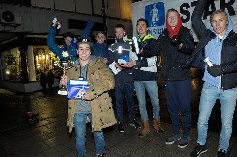 Jonas Essaih kan kalle seg uoffisiell mester i Airwheel. Bak står de andre deltakerne: Eirik Jelstad (f.v.), Andre Baushe, Daniel Schou, Magnus Solheim, Sander Johansen og Benjamin Kvam.
