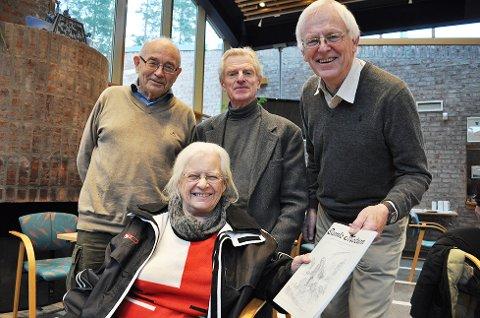 Erling Diesen (bak til venstre), Asbjørn Lind, Jon Mamen og Aase Hanna Fure er klare med en ny utgave av Gamle Modum.