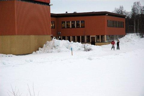 Jente fikk juling. Niendeklassingen ble kastet på hodet ut av klasserommet på  Vestmyra skole, foran øynene på de andre elevene i klassen.