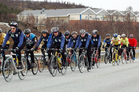 NYTT:  Lørdag arrangerte Sandnessjøen og Omegn Cycleklubb et helt nytt turritt. Deltakelsen var bra og sykkelsesongen på Helgeland har blitt lenger. (Foto: Tor Martin Leines Nordaas)